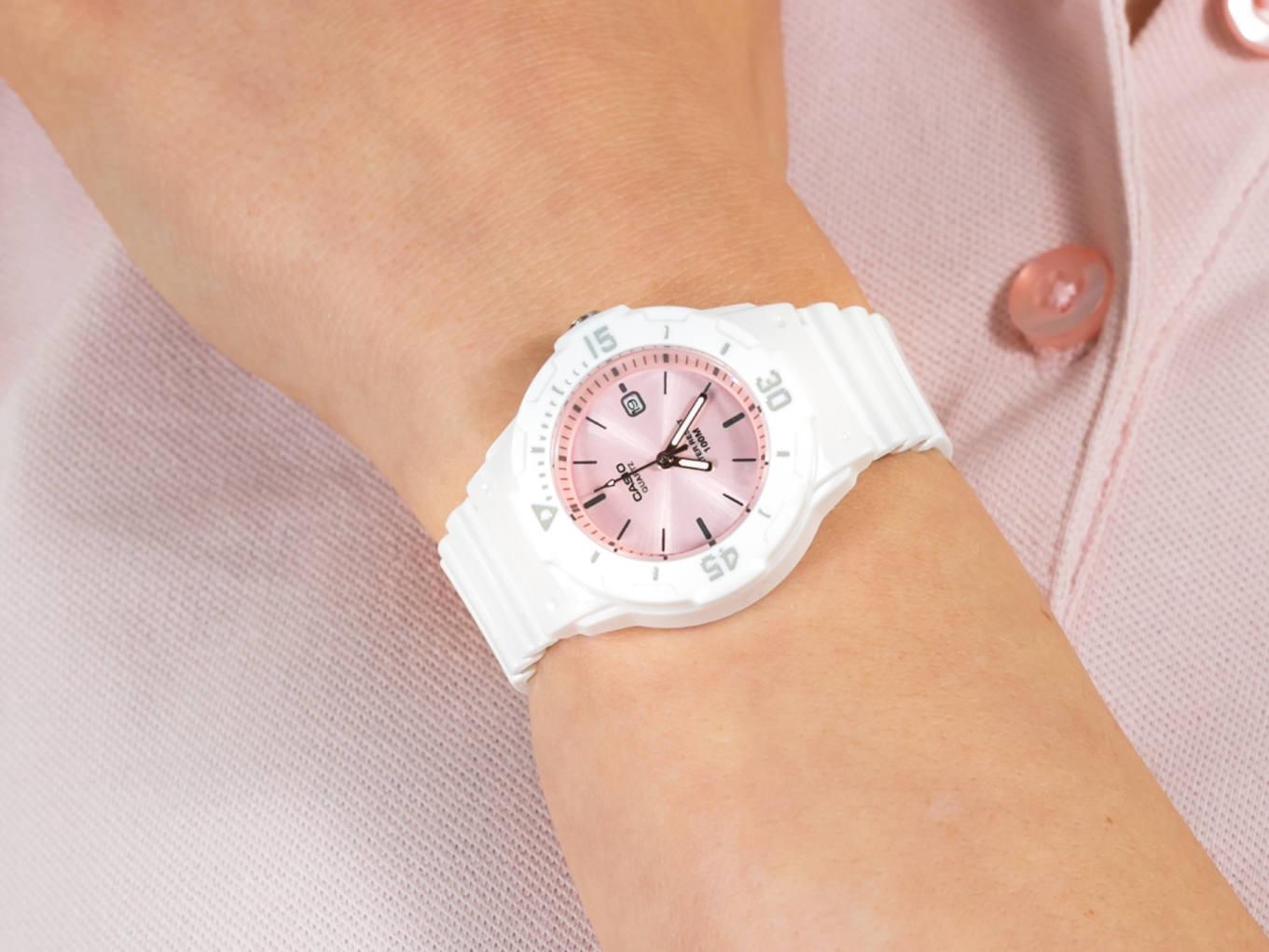 Casio LRW-200H-4E3VEF zegarek sportowy Sportowe