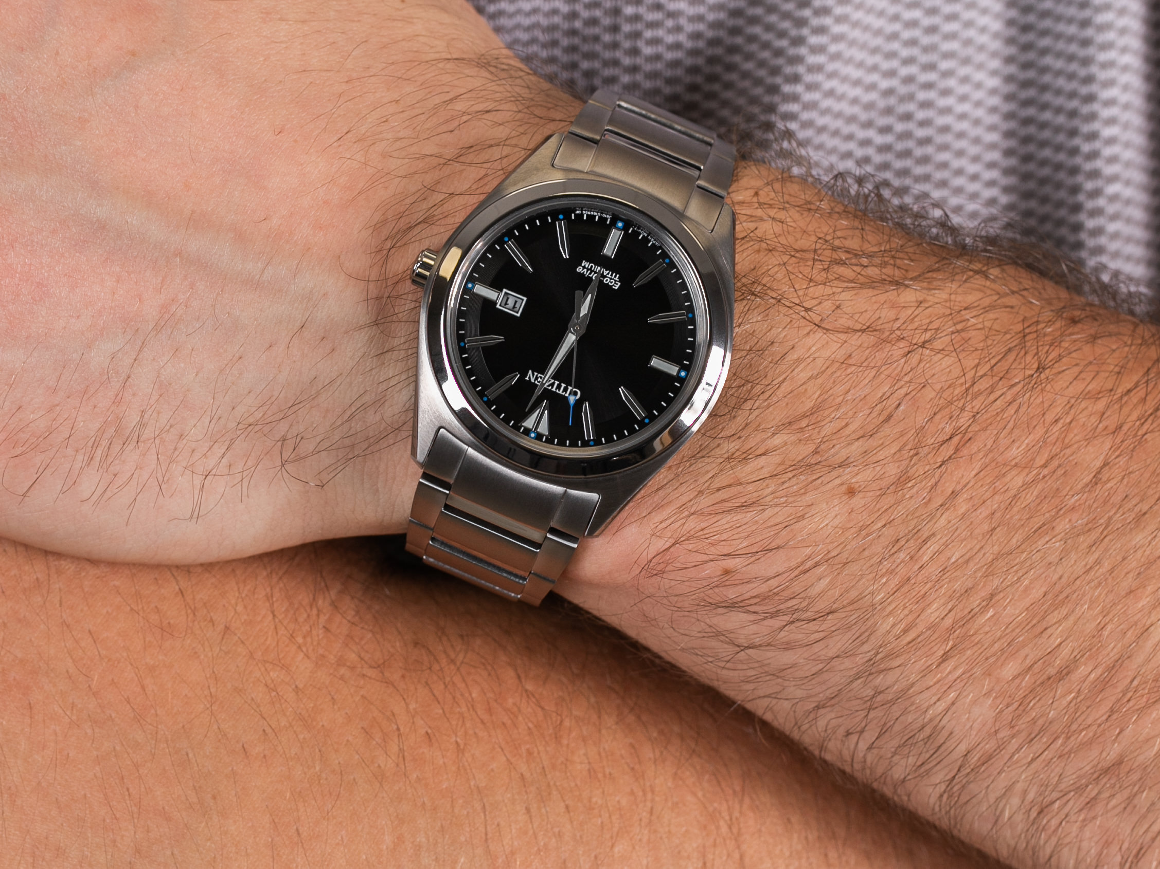 Citizen AW1640-83E zegarek klasyczny Titanium