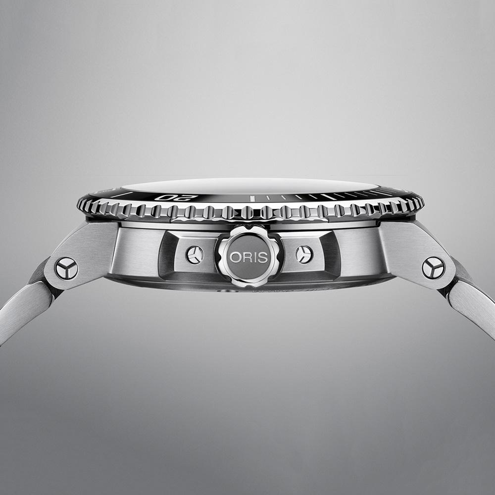 Oris 01 733 7730 4135-07 8 24 05PEB AQUIS DATE zegarek klasyczny Aquis