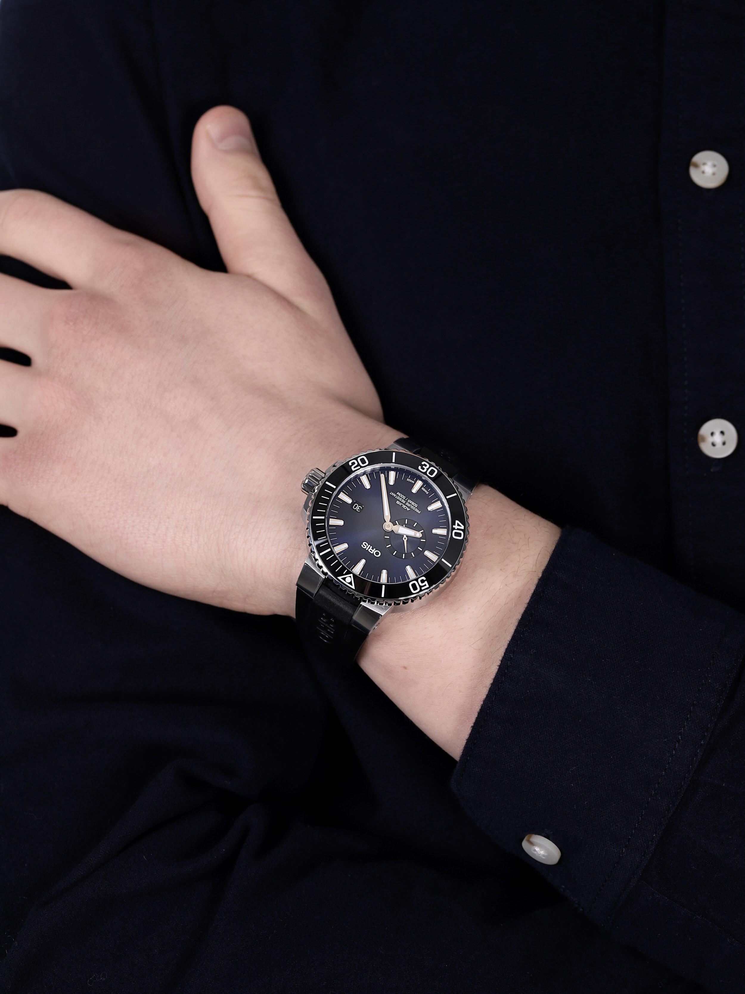 Oris 01 743 7733 4135-07 4 24 64EB AQUIS SMALL SECOND, DATE zegarek klasyczny Aquis