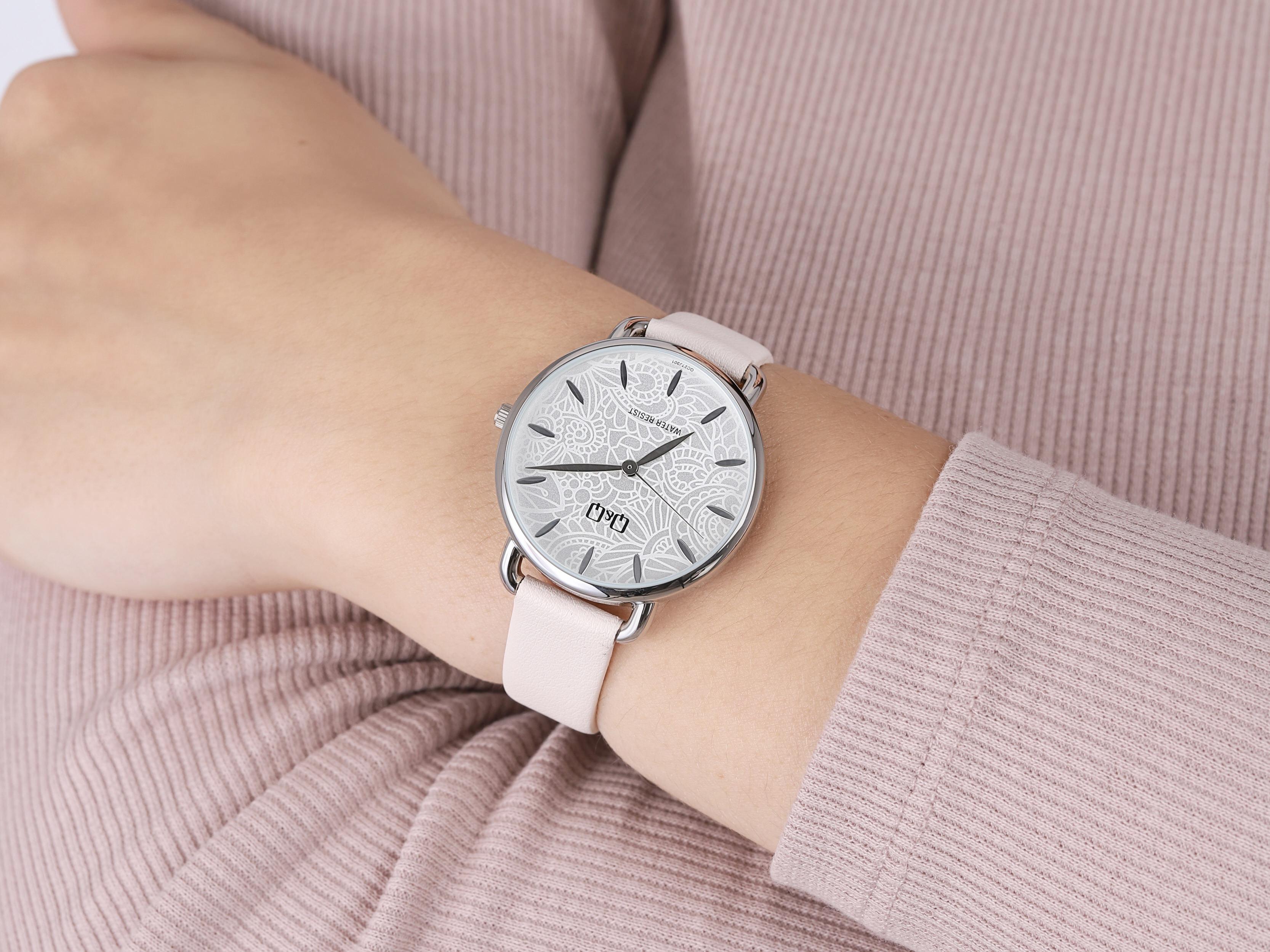 QQ QC27-301 zegarek klasyczny Damskie