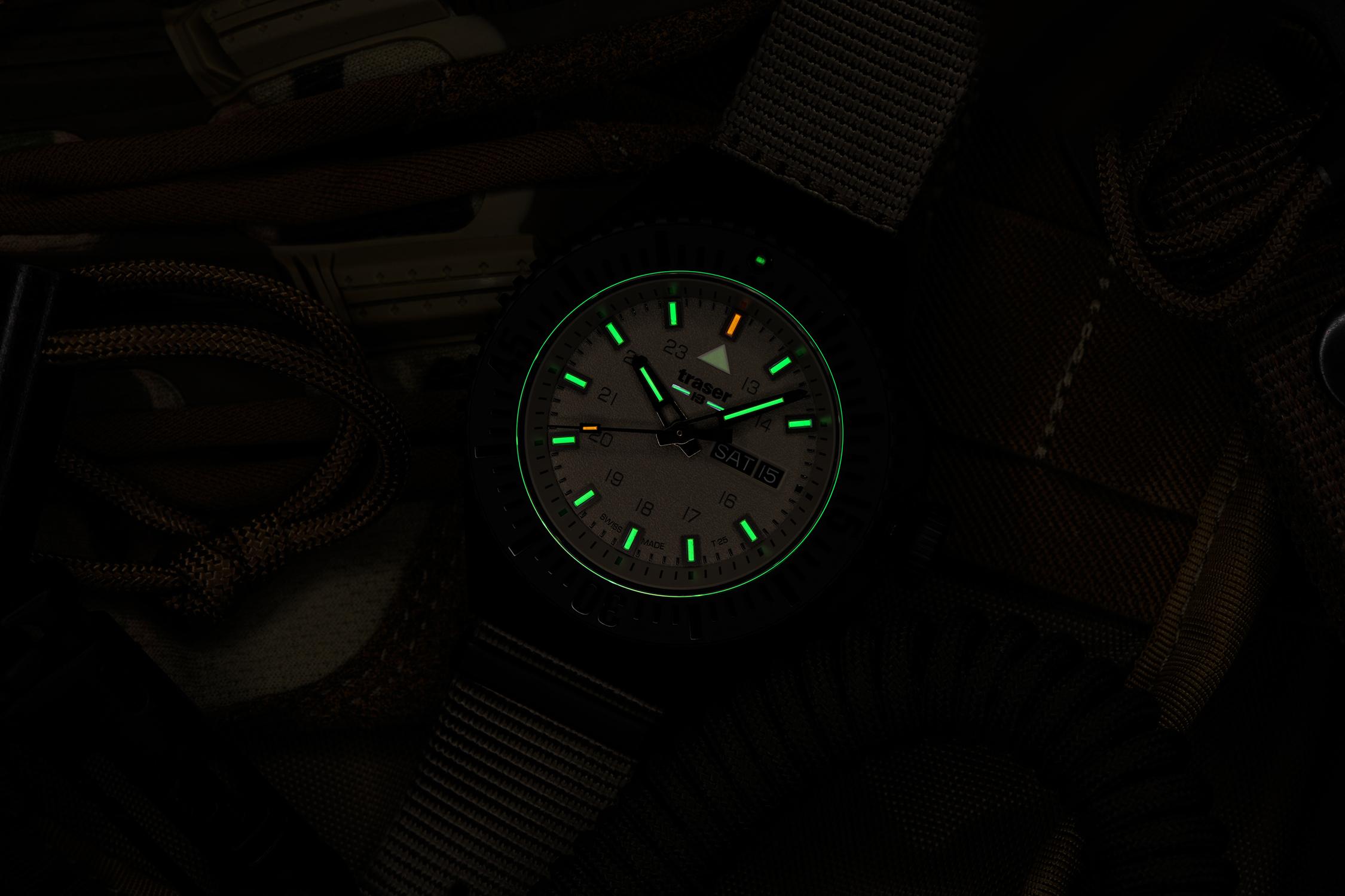 Traser TS-109860 P69 Black Stealth zegarek męski sportowy szafirowe