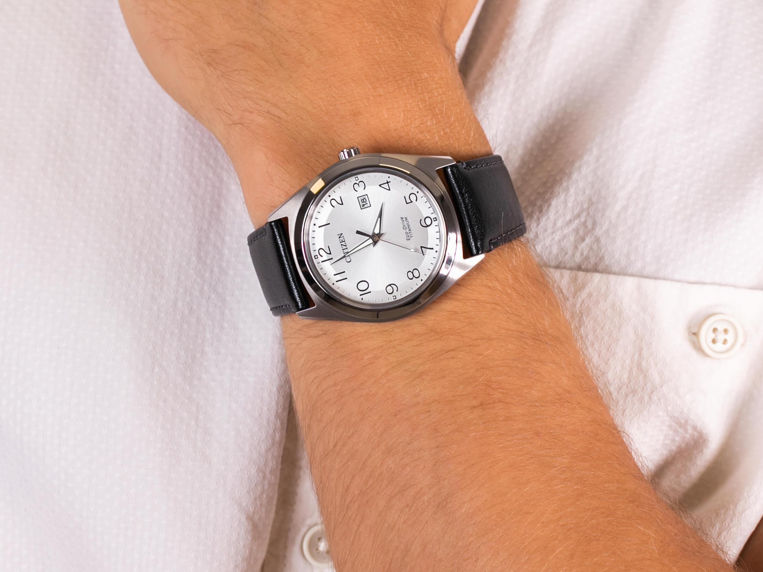 Citizen AW1640-16A zegarek klasyczny Titanium