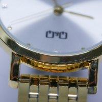 QQ QA21-021-POWYSTAWOWY zegarek damski Damskie