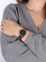 QQ QZ59-462 zegarek klasyczny Damskie
