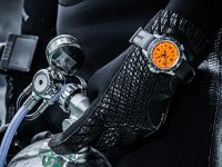 Traser TS-109380 P67 SuperSub Orange P67 SuperSub sportowy zegarek srebrny