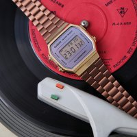 Casio Vintage A168WECM-5EF MIRROR FACE VINTAGE Maxi retro zegarek złoty