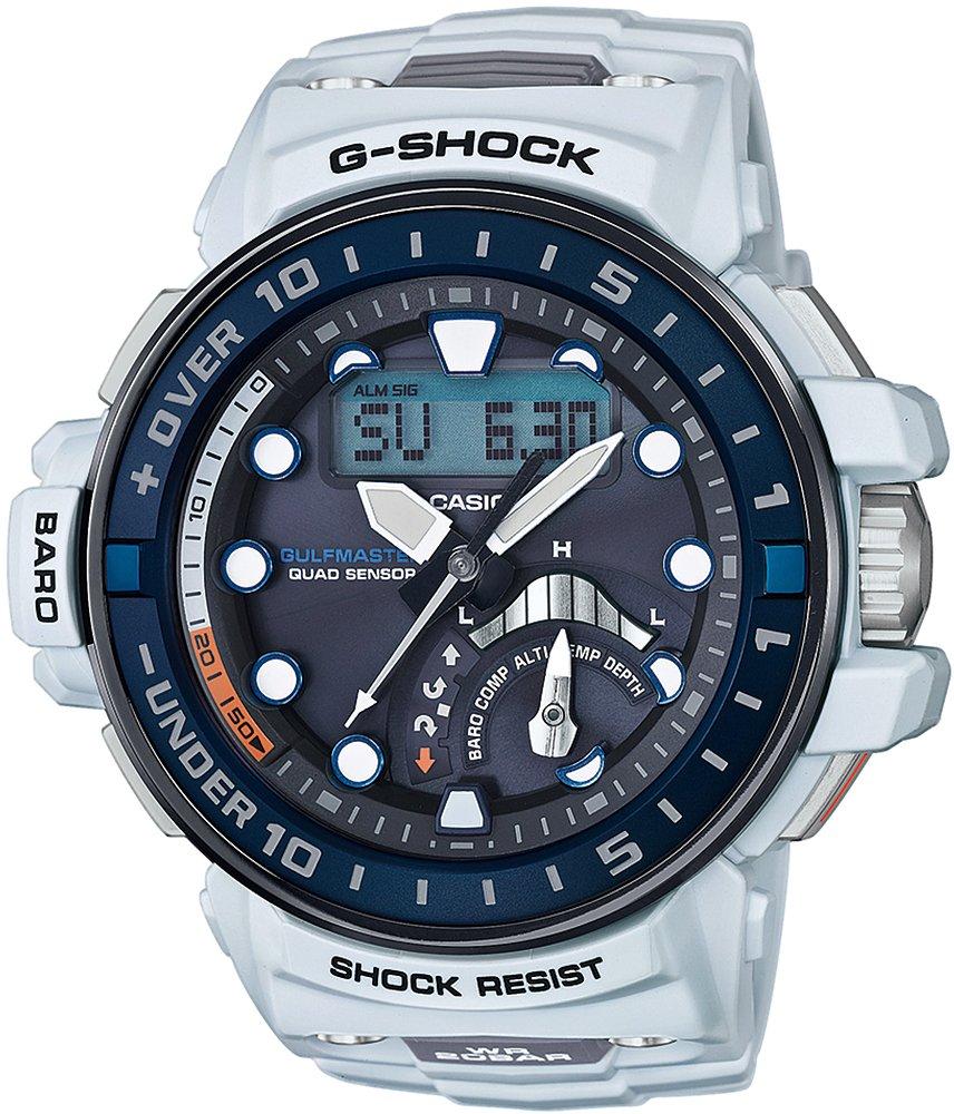 Sportowy, męski zegarek Casio G-Shock GWN-Q1000-7AER GULFMASTER QUAD na pasku z sztucznego tworzywa w białym odcieniu. Koperta jest w sztucznego tworzywa oraz karbonu w niebiesko, białym kolorze. Cyfrowo-analogowa tarcza jest w czarnym kolorze z białymi indeksami. Dla odróżnienia niektórych funkcji na tarczy znajdują się detale w pomarańczowym kolorze.