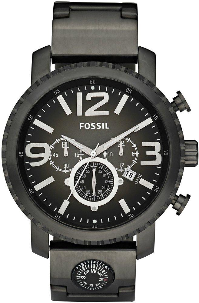Amerykański, męski zegarek Fossil JR1252 na stalowej, czarnej bransolecie, z tego samego materiału jak i w tym samym kolorze jest zrobiona koperta zegarka. Analogowa tarcza jest w czarnym kolorze z białymi indeksami jak i subtarczami. Na tarczy znajduje się również datownik.