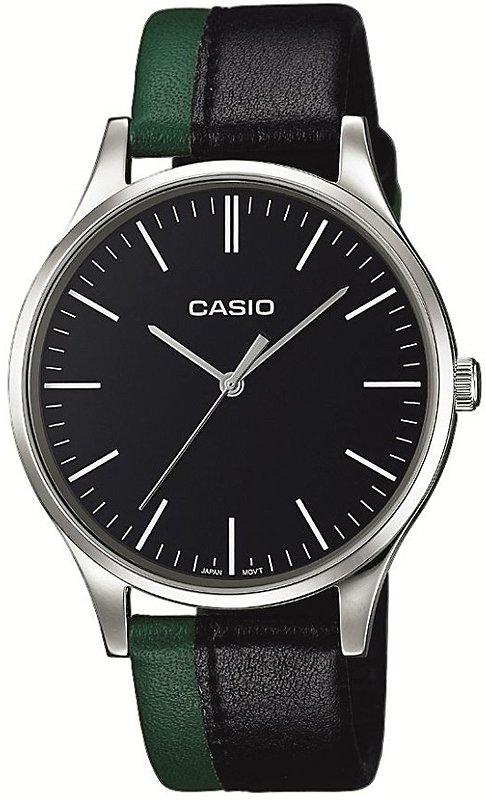 Klasyczny, męski zegarek Casio MTP-E133L-1EEF Perfect Duo Coal & Forest na skórzanym pasku w kolorze zielonym oraz czarnym. Koperta zegarka jest stalowa, okrągła w srebrnym kolorze. Minimalistyczna tarcza zegarka Casio jest w czarnym kolorze z wskazówkami jak i indeksami w srebrnym kolorze.