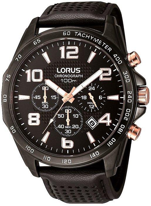 Sportowy, męski zegarek Lorus na skórzanym pasku z kopertą ze stali w czarnym kolorze. Tarcza zegarka jest w czarnym kolorze z charakterystycznymi subtarczami w biiałym kolorze dla chronografu w białym kolorze.
