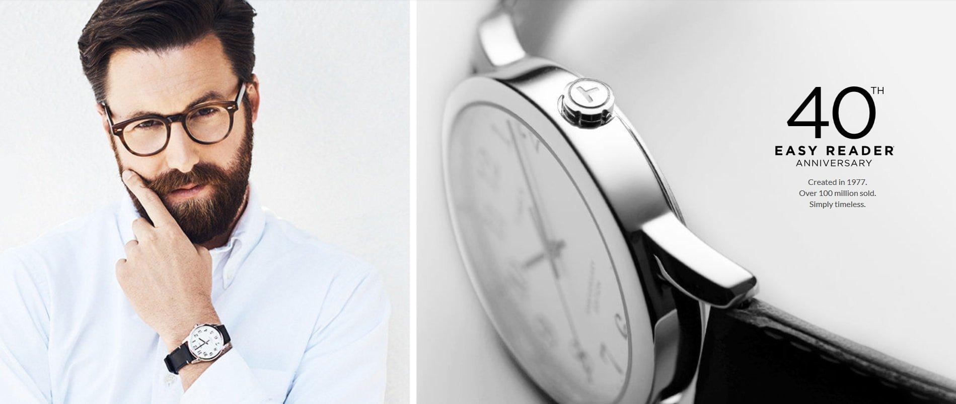 Klasyczny, męski zegarek Timex na czarnym skórzanym pasku z białą przejrzystą tarczą.