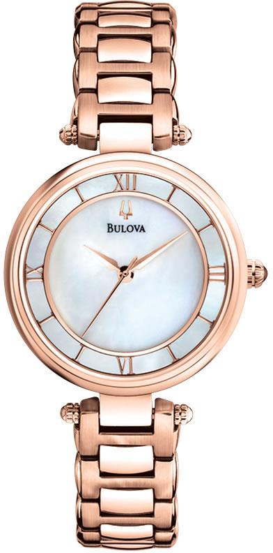 Luksusowy, damski zegarek Bulova 97L124 Classic na bransolecie oraz kopercie wykonanej ze stali, która pokryta jest powłoka PVD w kolorze różowego złota. Tarcza zegarka jest zrobiona z masy perłowej z wskazówkami oraz indeksami w kolorze różowego złota.