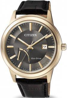 Klasyczny, męski zegarek Citizen AW7013-05H  na skórzanym pasku w czarnym kolorze z różowo-złotą kopertą wykonaną ze stali. Analogowa tarcza zegarka jest w czarnym kolorze z złotymi indeksami jak i wskazówkami.