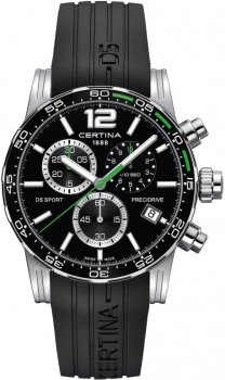 Sportowy, męski zegarek Certina C027.417.17.057.01 DS Sport Chronograph 1/10 sec na czarnym pasku wykonanym z tworzywa sztucznego oraz z okrągłą, stalową kopertą w kolorach takich jak czarny i srebrny. Tarcza zegarka jest czarna z trzema subtarczami oraz datownikiem na godzinie czwartej. Wskazówki oraz indeksy są w srebrno-białym kolorze.