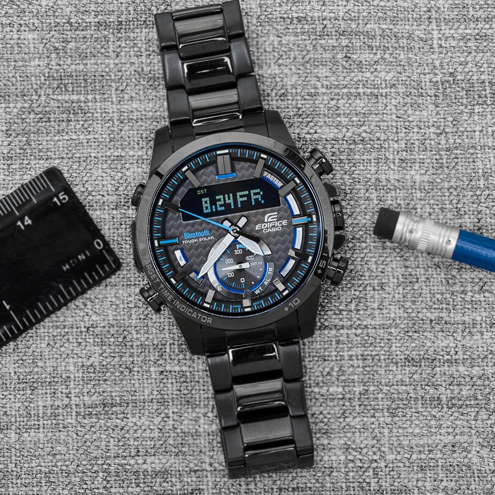 Męski zegarek Casio Edifice Bluetooth Sync ECB-800DC-1AEF z stalowej kopert i bransolety w czarnym kolorze.