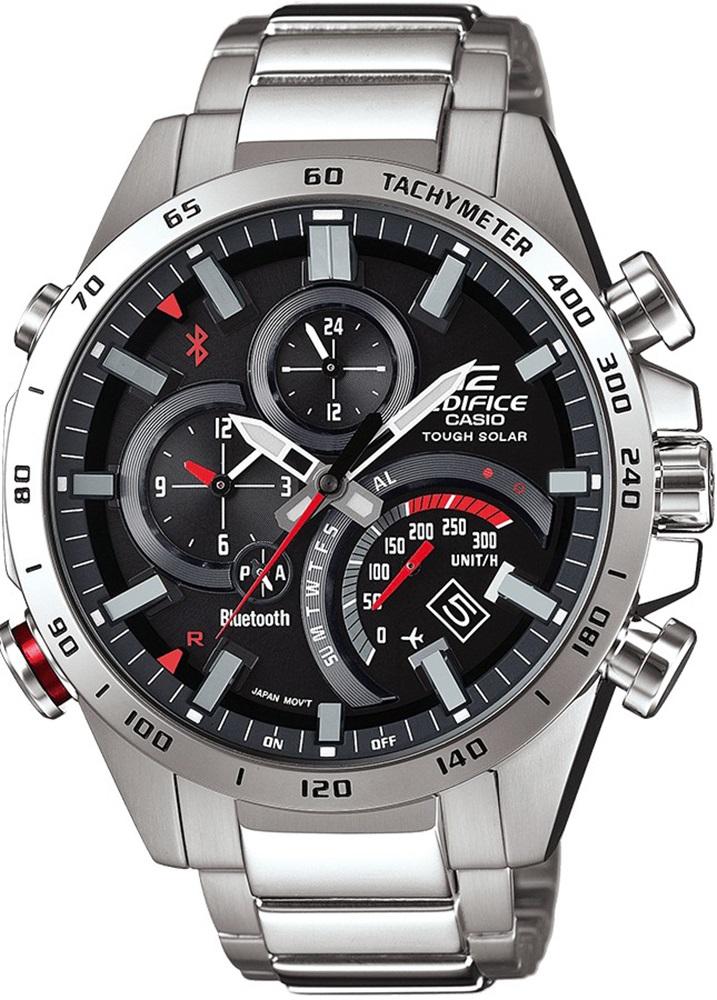Modny, męski zegarek Casio Edifice EQB-501XD-1AER Premium na srebrnej stalowej bransolecie z czarną analogową tarczą z subtarczami oraz czerwonymi zdobieniami.