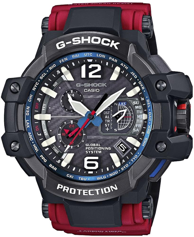 Sportowy, męski zegarek G-Shock GPW-1000RD-4AER Gravitymaster na czerwonym pasku wykonanym z tworzywa sztucznego oraz karbonu. Koperta zegarka jest w czarno-szarym kolorze z tworzywa sztucznego. Analogowa tarcza zegarka jest w szarym kolorze.