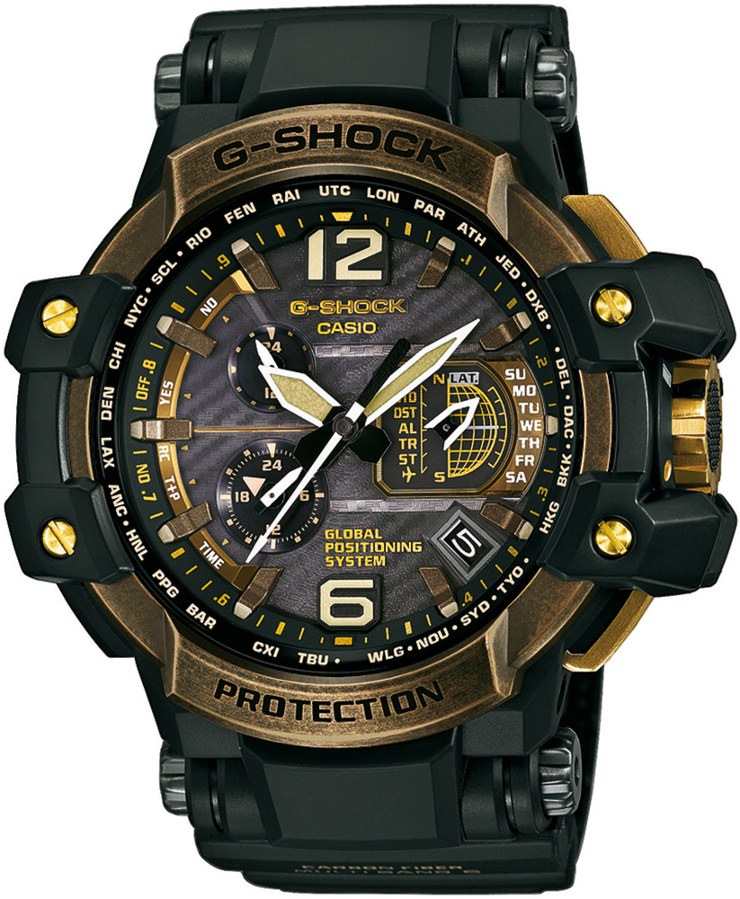 Luksusowy, męski zegarek G-Shock GPW-1000TBS-1AER Gravitymaster na pasku wykonanym z tworzywa sztucznego oraz karbonu w ciemnozielonym kolorze. Koperta zegarka jest jest wykonana z tworzywa sztucznego w czarno-złotym kolorze. Analogowa tarcza zegarka G-Shock jest w czarnym kolorze.