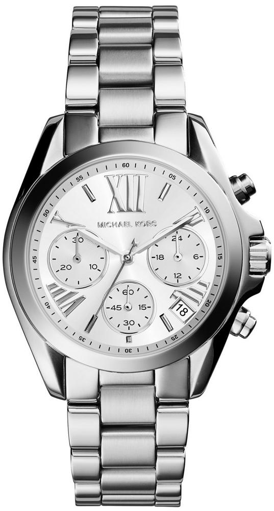 Klasyczny, damski zegarek Michael Kors MK6174 MINI BRADSHAW na bransolecie i kopercie wykonanych ze stali w srebrnym kolorze. Srebrna, analogowa tarcza zegarka posiada trzy subtarcze oraz datownik na godzinie czwartej. Indeksy jak i wskazówki są w srebrnym kolorze.