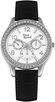 Stylowy, damski zegarek Pierre Ricaud P21069.5253QFZ na skórzanym czarnym pasku z okrągłą kopertą w srebrnym kolorze. Bezel zegarka jest ozdobiony cyrkoniami. Analogowa tarcza zegarka jest w białym kolorze z trzema subtarczami. Wskazówki jak i indeksy są w srebrnym kolorze.