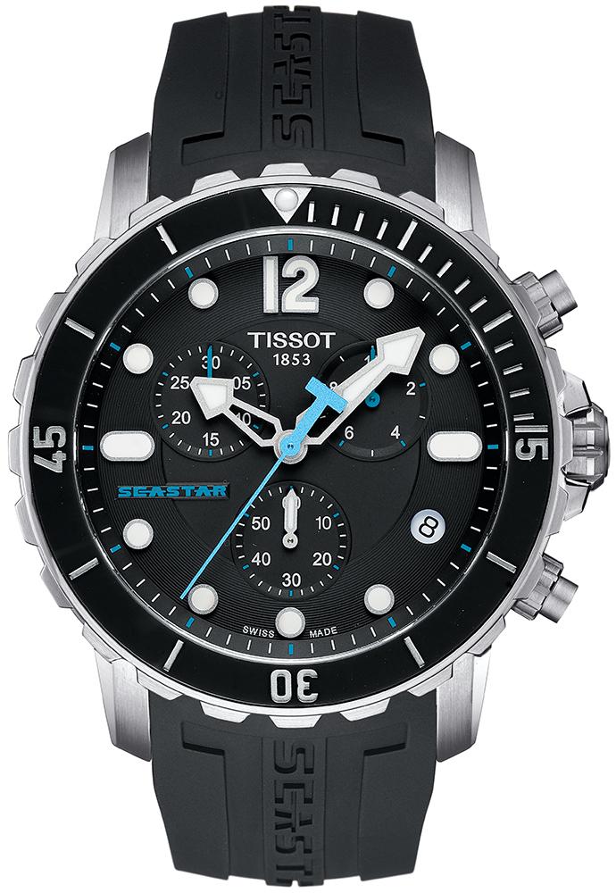 Sportowy, męski zegarek Tissot T066.417.17.057.00 SEASTAR 1000 na pasku z tworzywa sztucznego oraz kopercie wykonanej ze stali w srebrnym kolorze. Analogowa tarcza zegarka jest czarna z trzeba subtarczami ozdobionymi niebieskimi akcentami. Wskazówki zegarka Tissot są w białym kolorze z niebieską wskazówką sekundnika.