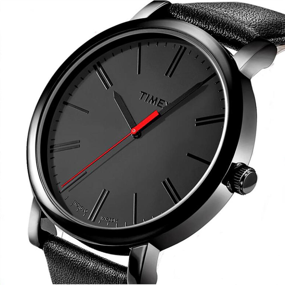 Stylowy, męski zegarek Timex posiada analogową tarcze oraz podświetlenie Indiglo.