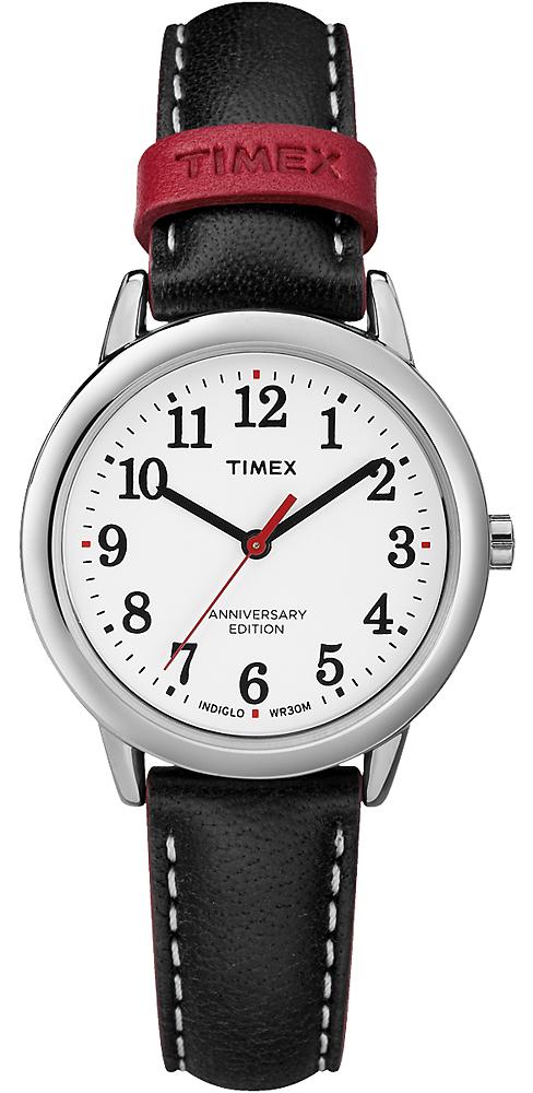 Klasyczny, damski model Timex Easy Reader stworzony na 40 rocznice na skórzanym, czarnym pasku z białymi szwami, z srebrną, stalową koperta oraz analogową tarczą w białym kolorze z czarnymi indeksami oraz czerwona wskazówką sekundnika.