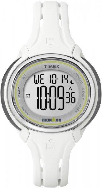 Niezawodny zegarek Timex Ironman z kopertą i paskiem z tworzywa sztucznego w kolorze białym. Zegarek Timex Ironman posiada cyfrową tarczę.