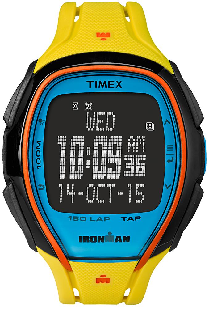 Sportowy, męski zegarek Timex TW5M00800 IRONMAN Sleek 150 na pasku z tworzywa sztucznego w żółtym kolorze oraz kopercie w czarnym kolorze również wykonanej z tworzywa sztucznego. Cyfrowa tarcza zegarka jest wielokolorowa.