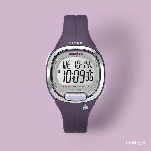 Sportowy zegarek Timex TW5M19700 w fioletowym kolorze z srebrnym bezelem.