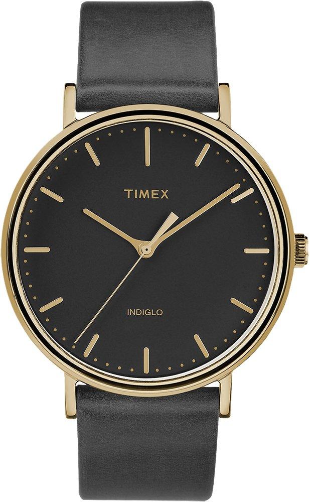 Klasyczny, damski zegarek Timex TW2R26000 Fairfield na czarnym skórzanym pasku oraz okrągłej, złotej tarczy ze stali. Minimalistyczna analogowa tarcza z oświetleniem Indiglo jest podkreślona przez złote indeksy oraz wskazówki.