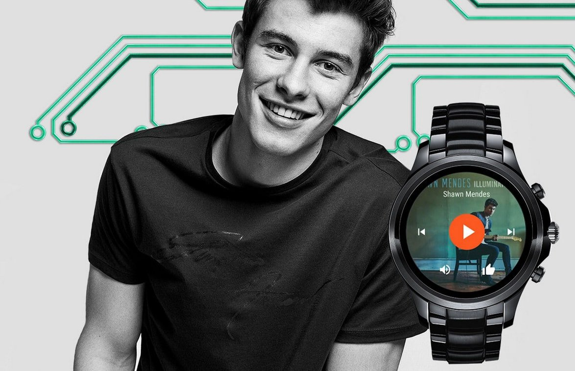 Klasyczny, męski smartwatch Emporio Armani na czarnej bransolecie z czarną kopertą oraz cyfrowym ekranem.
