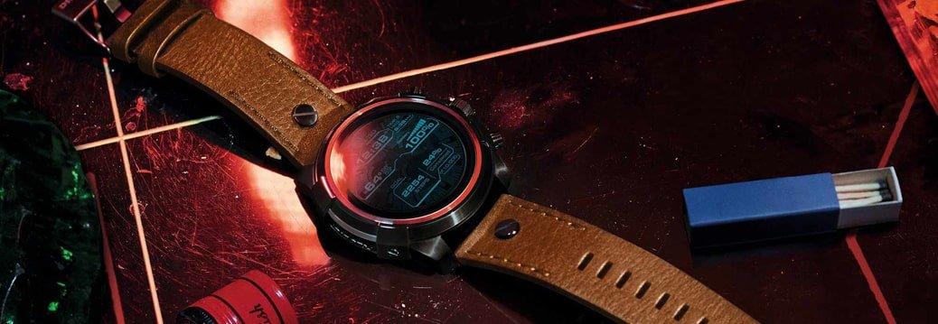 Smartwatch Diesel On DZT2002 Full Guard Smartwatch na skórzanym pasku w brązowym kolorze oraz tarczą ze stali w czarnym kolorze. Zegarek Diesel On posiada cyfrową tarczę.