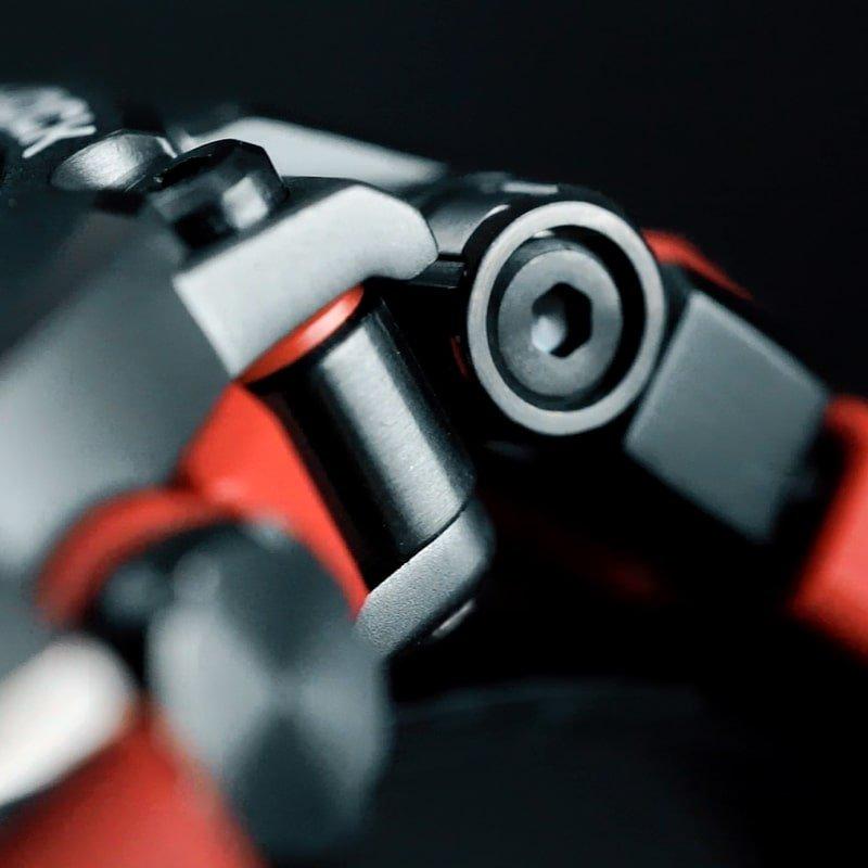 Interesujący, męski zegarek G-Shock MT-G MTG-B1000B-1A4ER z konstrukcją, która zapewnia wodoszczelność do 200m.