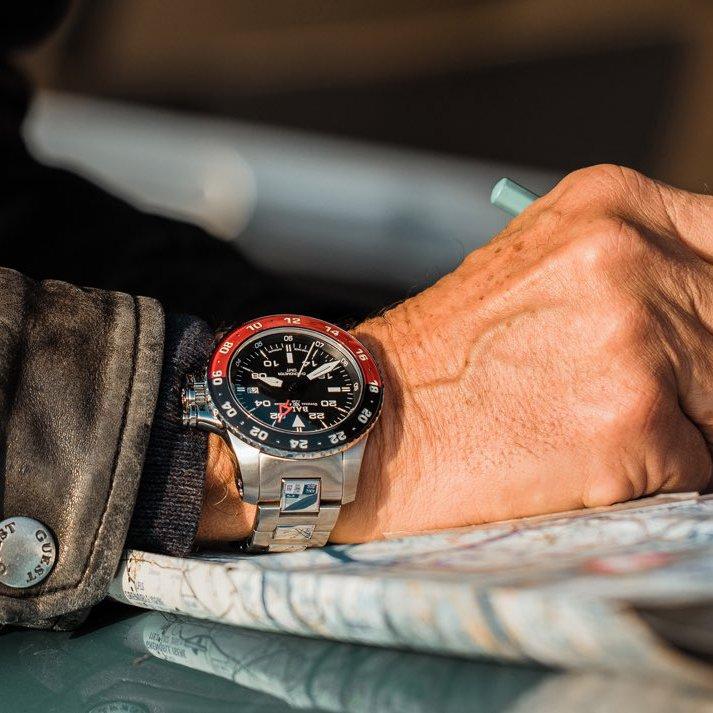 Prestożowy zegarek Ball na srebrnej bransolecie