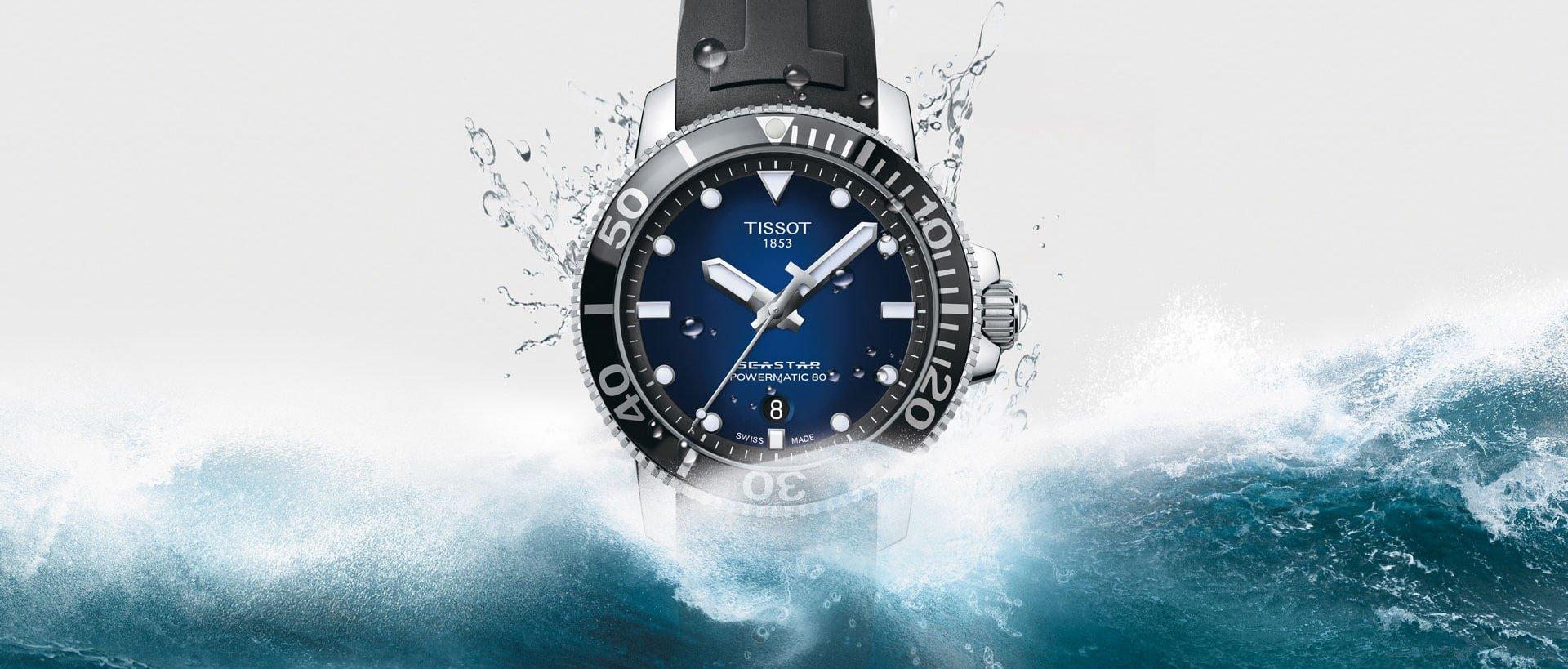 Sportowy, męski zegarek Tissot T120.407.17.041.00 Seastar 1000 na pasku z tworzywa sztucznego na czarnym pasku.