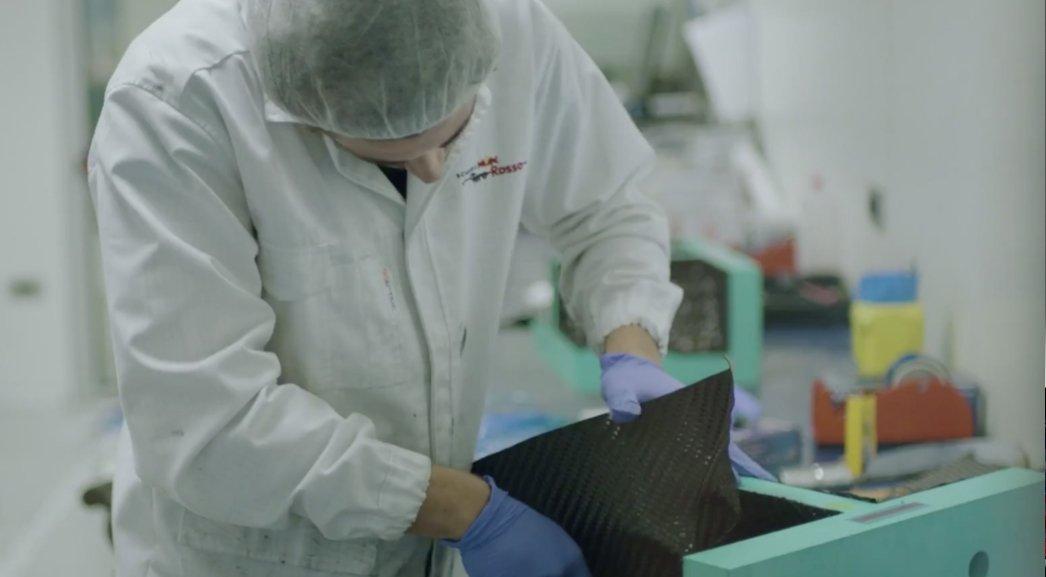 Od lat 70. Formuła 1 wykorzystuje włókno węglowe.