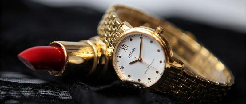 Zegarek marki Lorus pokryty powłoką PVD.