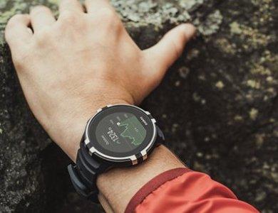 Zegarek Suunto z nadgarstkowym pomiarem tętna - zdjęcie