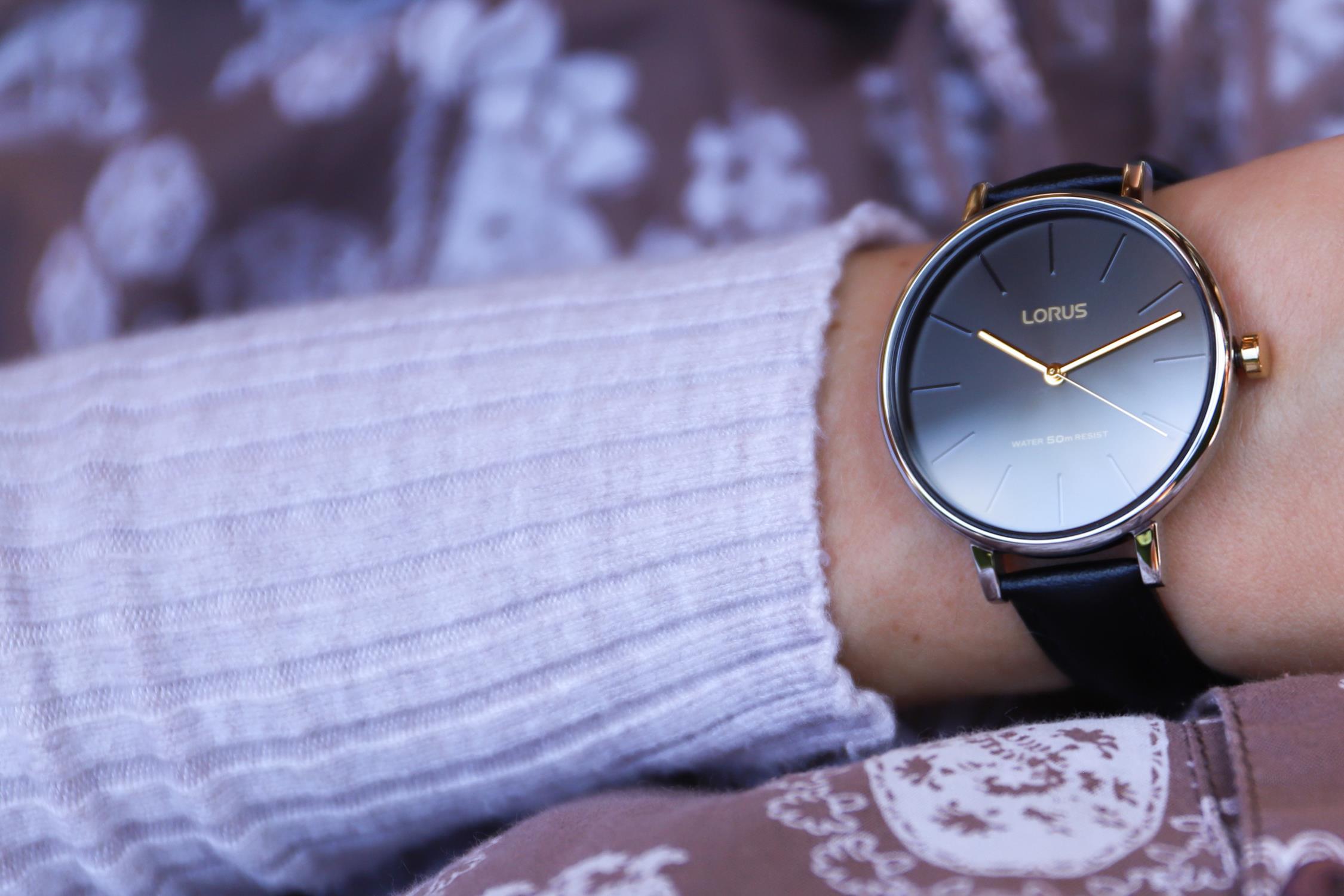 zegarek lorus damski pasek czarny prostokat
