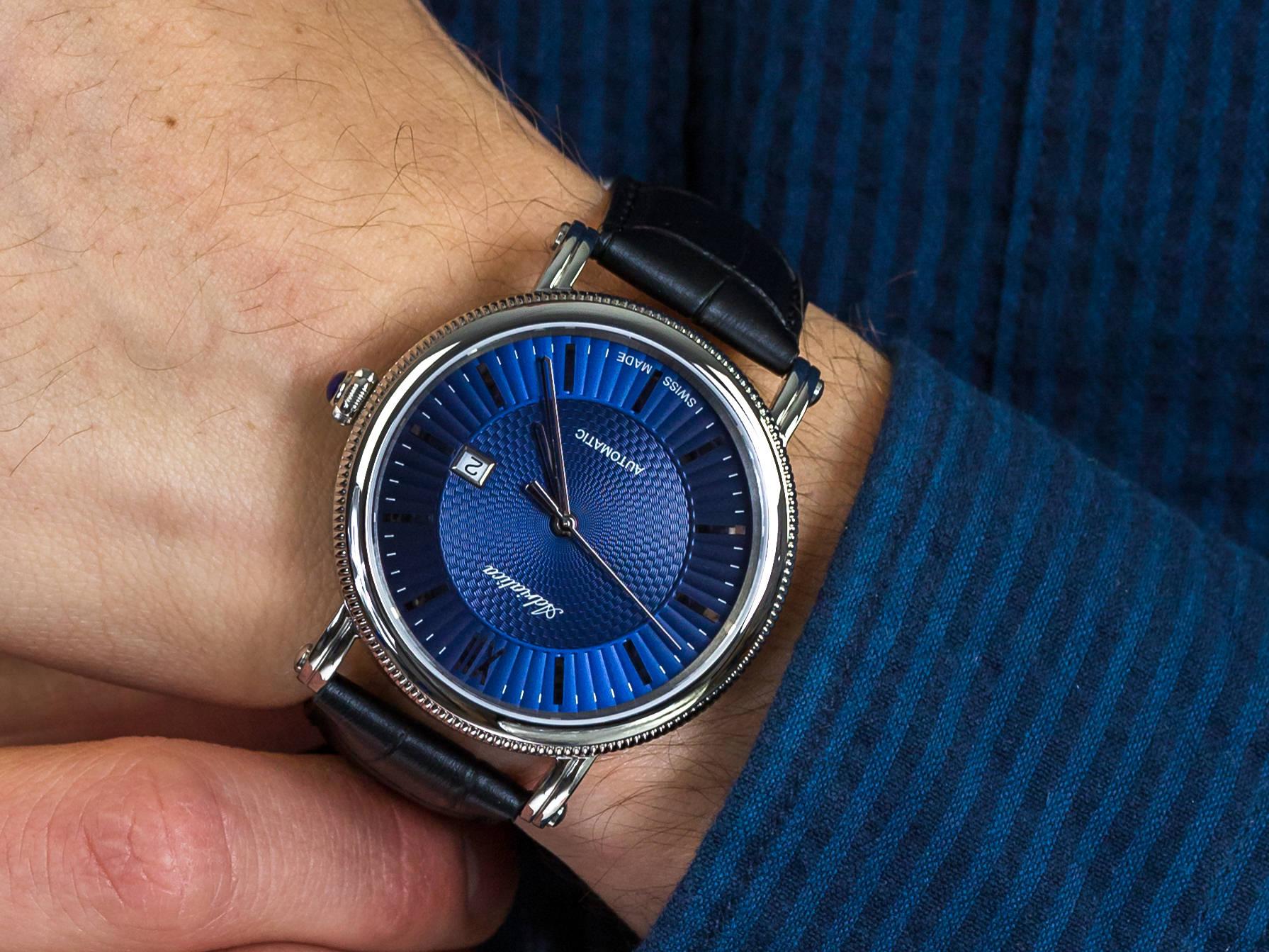 Elegancki zegarek Adriatica z granatową tarczą na skórzanym pasku