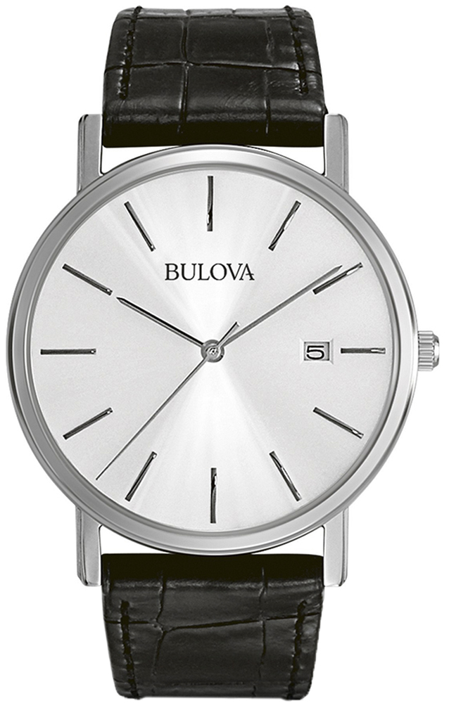 Klasyczny, męski zegarek Bulova 96B104 Classic na skórzanym pasku w czarnym kolorze z srebrną kopertą wykonaną ze stali. Analogowa tarcza jest w srebrnym kolorze z datownikiem na godzinie trzeciej. wskazówki jak i indeksy są srebrne w postaci cienkich kreseczek.