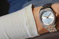 Zegarek damski Caravelle bransoleta 45L180 - duże 5