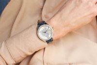 Zegarek fashion/modowy Guess Damskie W0884L10 - duże 4
